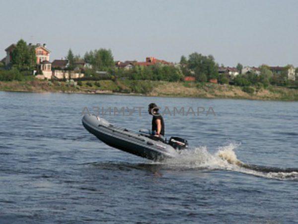 Моторная надувная лодка Мнев Кайман N-330 (НДНД)